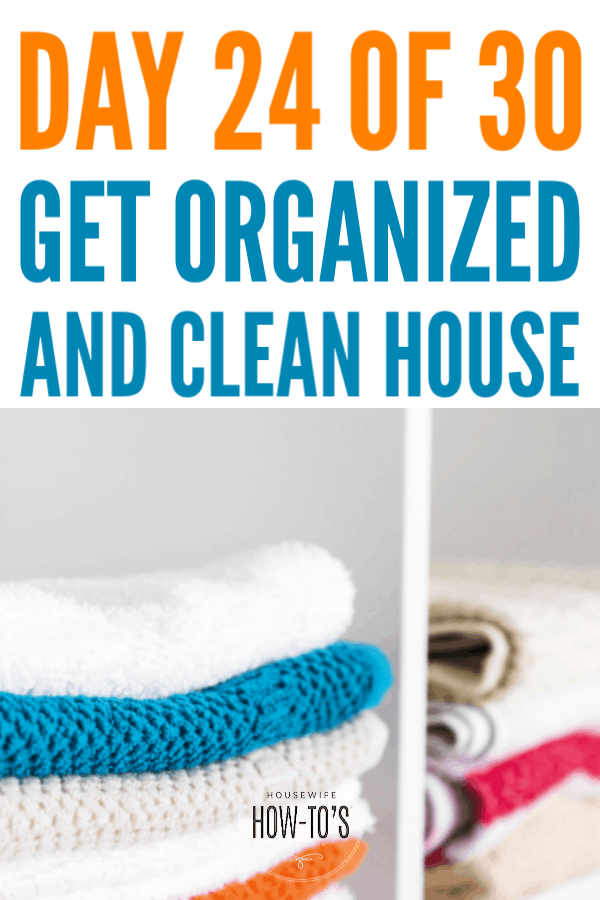 Organizing Linen Closets - Tips to store towels and sheets neatly #getorganized #homeorganization #linencloset #cleaning #cluttercontrol