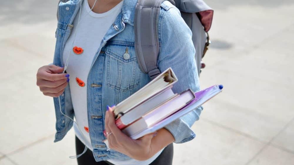 Comment embaucher un étudiant étranger au Québec sans tomber dans l'illégalité