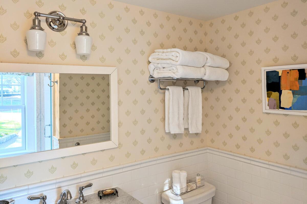 room-3-bathroom-3-slider