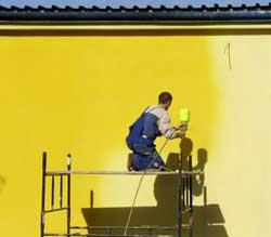 Покраска дома при косметическом ремонте