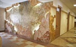 Венецианка в сочетании с мрамором