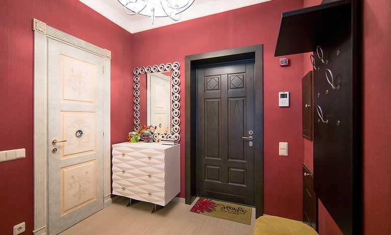 Виниловые обои считаются лучшим выбором для коридора квартиры