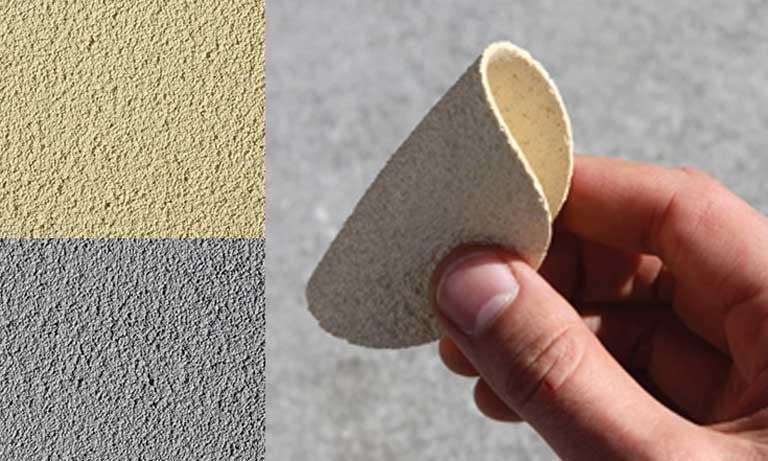 Вот такая эластичная декоративная штукатурка получается из минеральной крошки