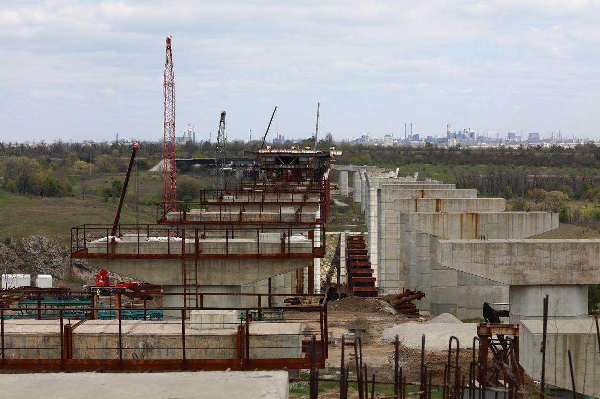 Запорожский мост планируют достроить за два года вместо четырех