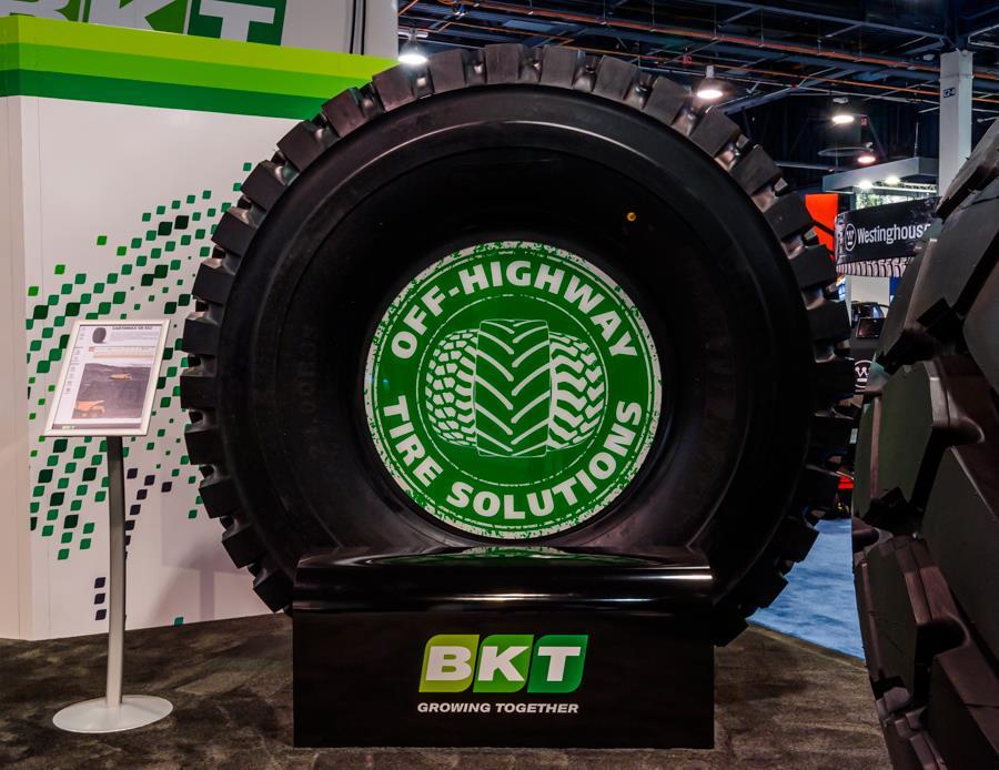 BKT представила нову модель шин для дорожніх самоскидів