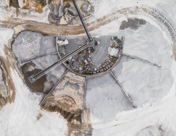 Стрічковий конвеєр у гірничій промисловості — самохідна дорога для гірничої маси