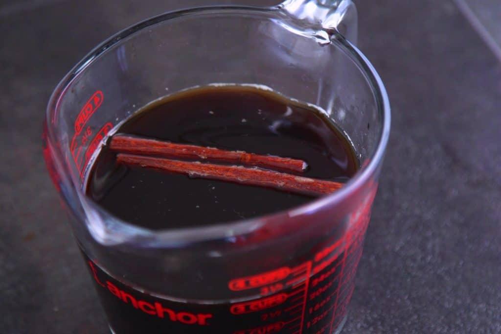 Steep coffee with cinnamon for 4-6 hours