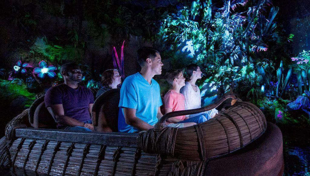 Atracción de Pandora Na'vi river Jorney en el parque Animal Kingdom en Disney World Orlando