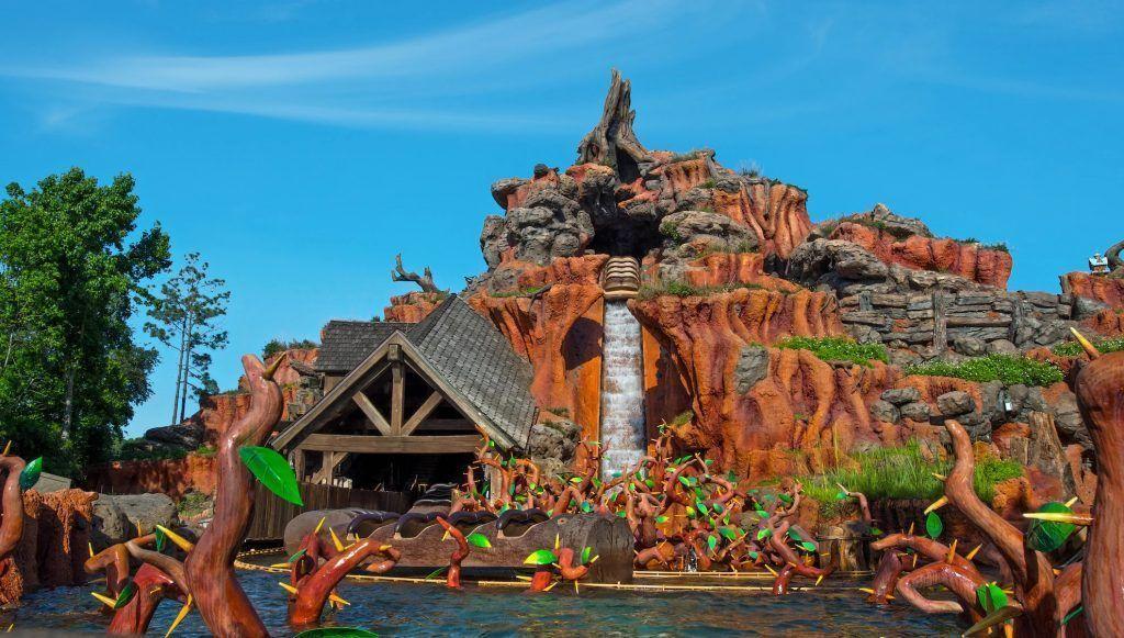 Atracción de Splash Mountain en el parque Magic Kingdom en Disney World Orlando