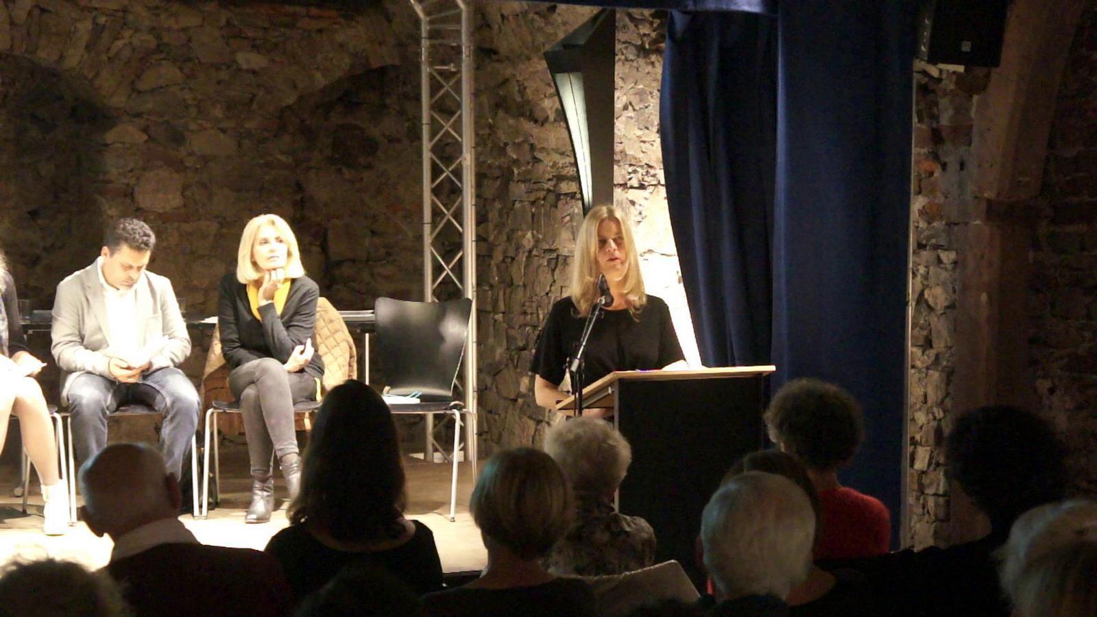 """Christiane Burkhardt liest aus Demetrio Paolins """"Blei, eine Autobiographie"""""""
