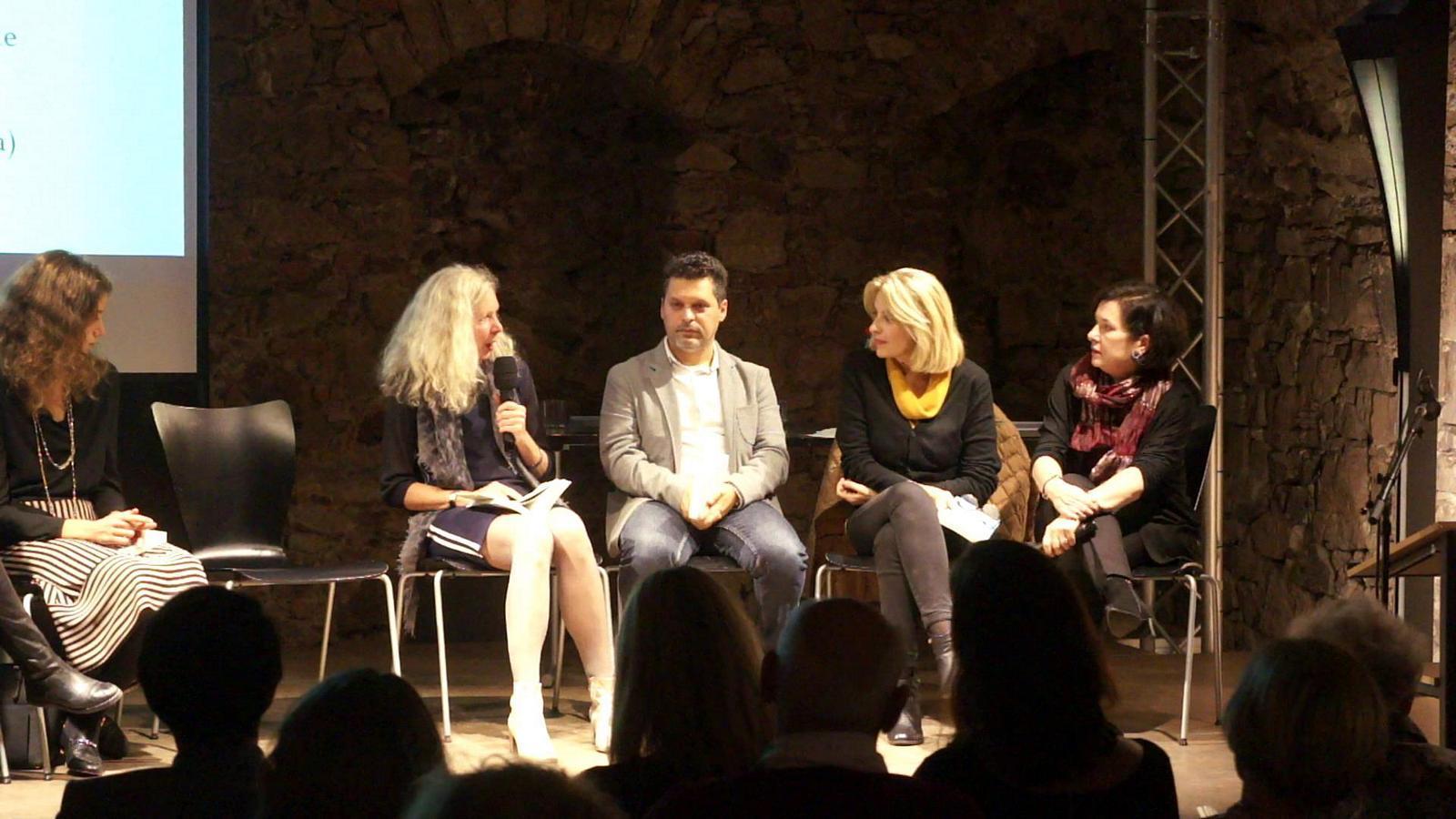 Bettina Schulte stellt Anna Pavignano vor
