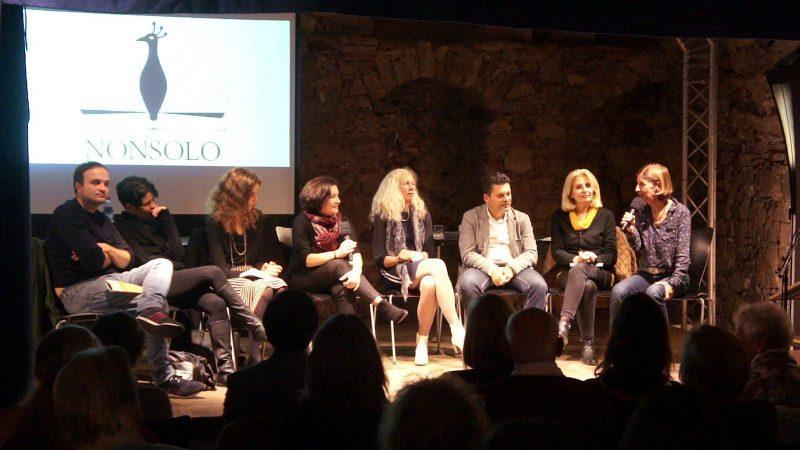 """Italienische Gegenwartsliteratur und die Suche nach einer #Identität - Alessandra Ballesi-Hansen stellt am Italien-Zentrum der Freie Universität #Berlin die zweisprachige #Anthologie """"Spiegelungen/Vite allo specchio"""" vor: Montag, 3. Juni, 10 Uhr c.t. @fu_berlin @iicberlino #nonsoloVerlag #literatur #lesung #buchtipp"""