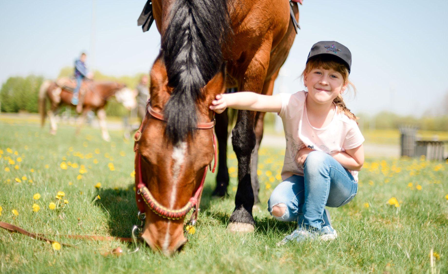 Катание на лошади для ребенка