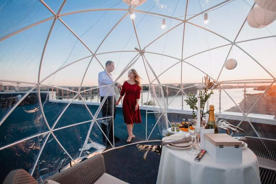 Побачення на даху у сфері