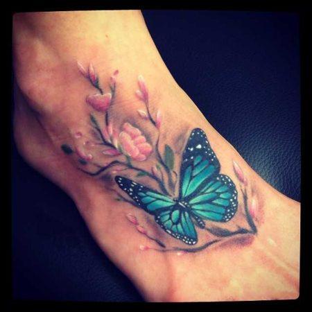Бабочка тату на ступне