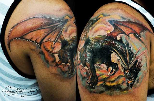 Дракон тату на плече