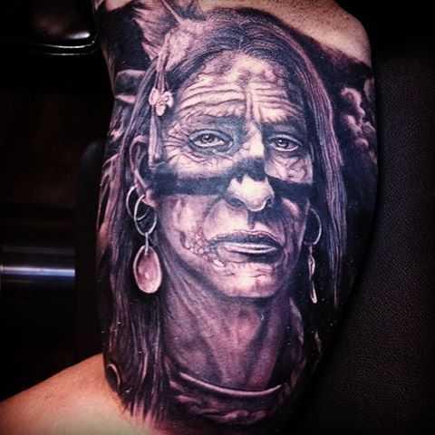 Индеец тату на руке