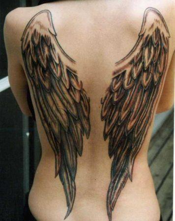 на спину тату крылья