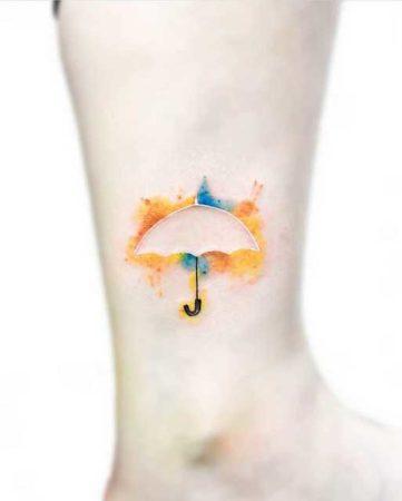 женские тату зонтик акварель