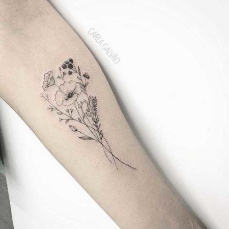 Цветы полевые тату на руке