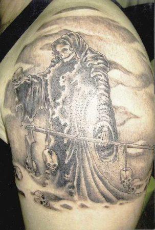 Смерти тату на плече