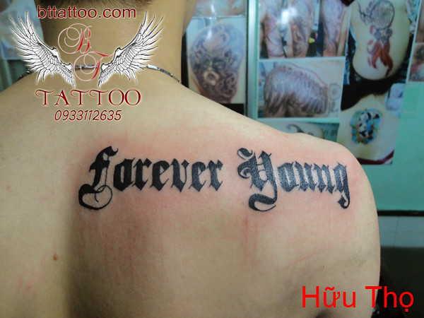 """""""Молодой вечно"""" тату шрифт готика"""