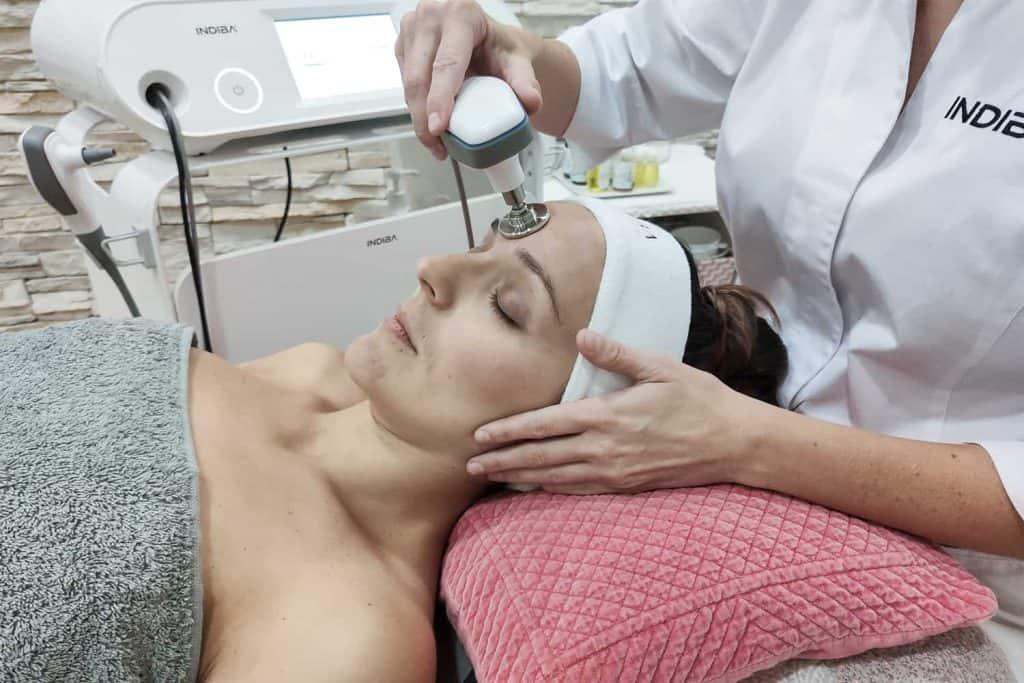 Estética facial con Indiba® Deep Beauty