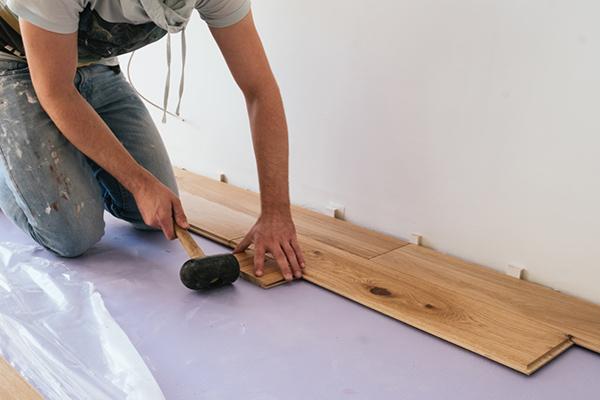 Houten vloeren repareren - Parket Schuren Alkmaar