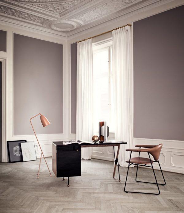 Biurko Gubi 62 Desk - projekt Greta Grossman