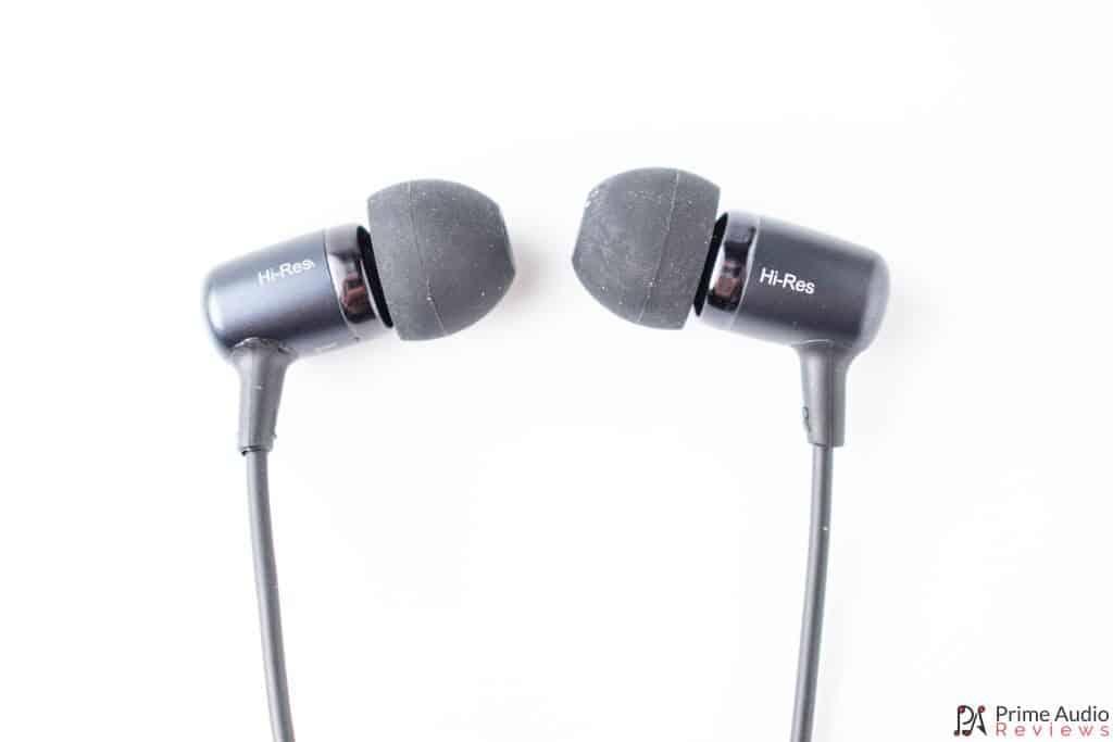 HE100 profile of earphones