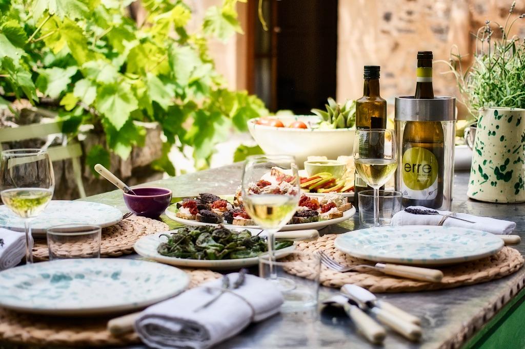 Liebe in der Luft, gutes Essen auf dem Tisch! Im Interview mit dem Hochzeitsmagazin marry Mag
