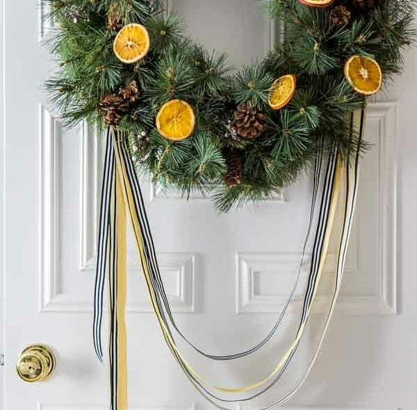 HOW TO BAKE ORANGE SLICES FOR HOLIDAY DECORATING