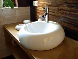 Tipp zum Bau zeigt Ihnen alle Möglichkeiten von Badarmaturen. So verschönern Sie ihr Waschbecken und Ihr ganzes Badezimmer.
