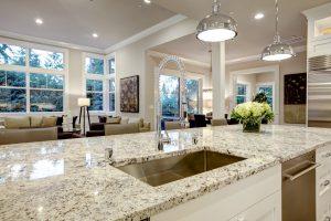 Verschiedene Möglichkeiten zur Wohnküchengestaltung, näher gebracht von Tipp zum Bau.