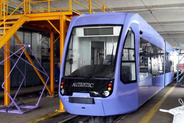 PRIMUL-tramvai-modern-NOU-Autentic-2