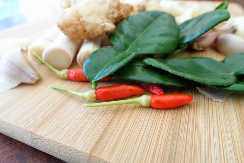 lemon grass, kaffir lime leaf, ginger garlic,Flavours of Thai Food Khao Soi
