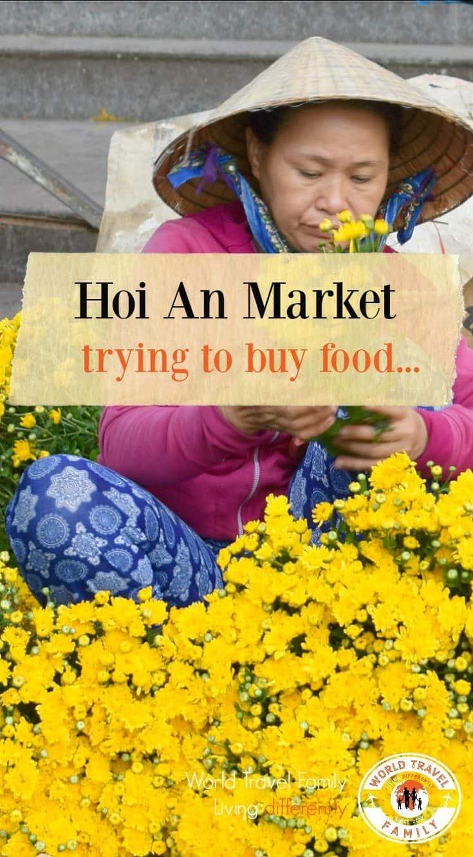 Hoi An Market buying food