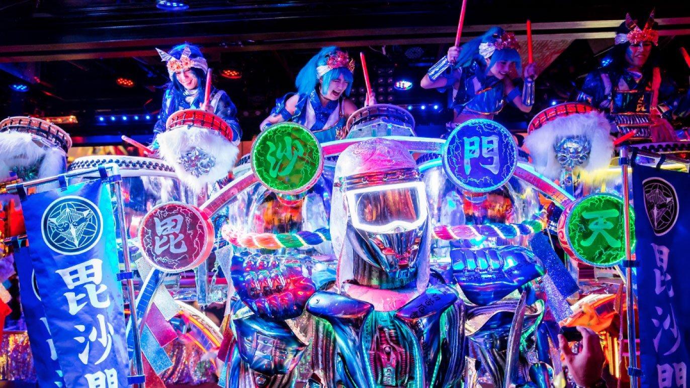 robot 2 | Robot Restaurant  –  Tokyo