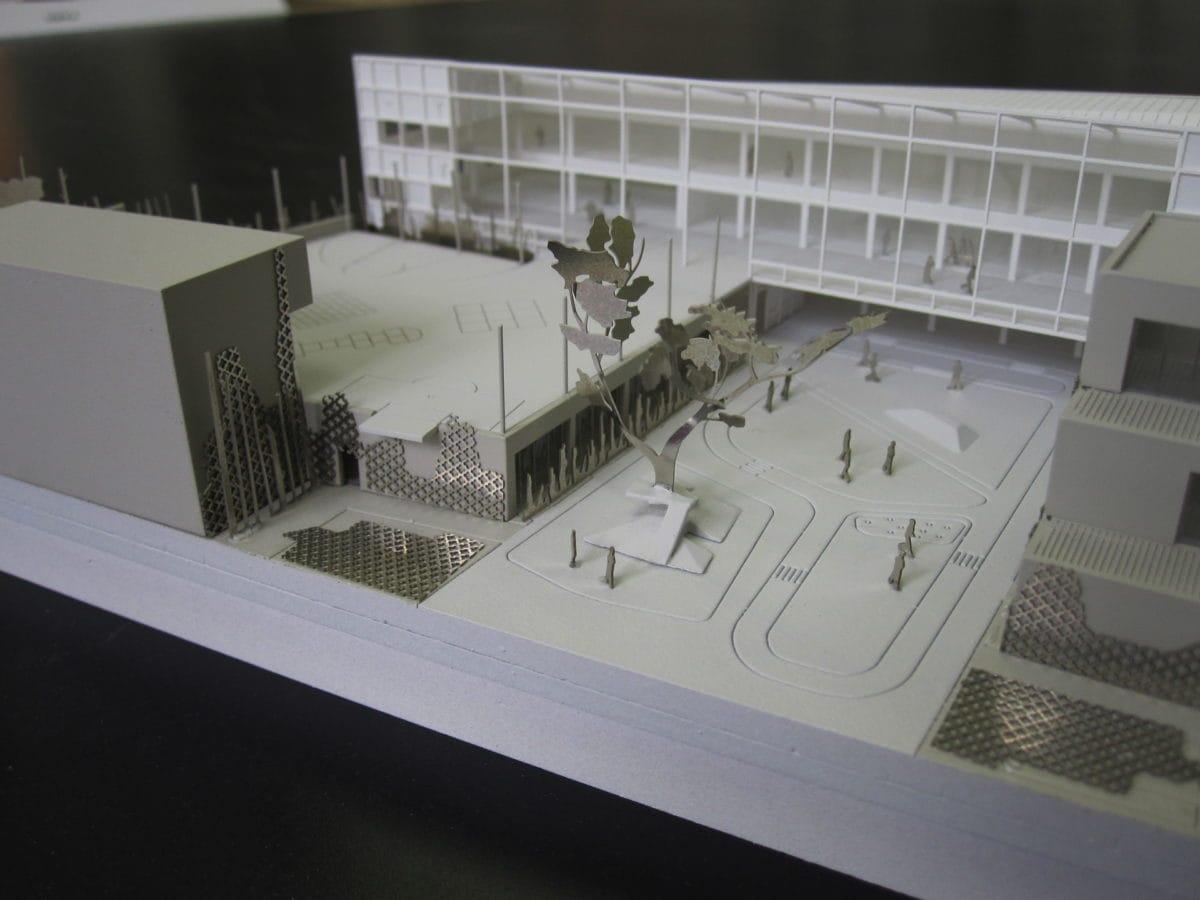 maquette de concours pour l'école élémentaire à St Ouen par SOA architecte au 1/200ème
