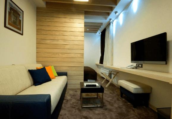hotel soa room