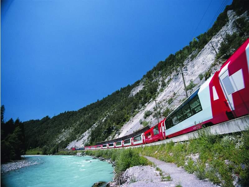 Geschenkgutschein: Glacier Express – inkl. Mittagessen am Platz serviert