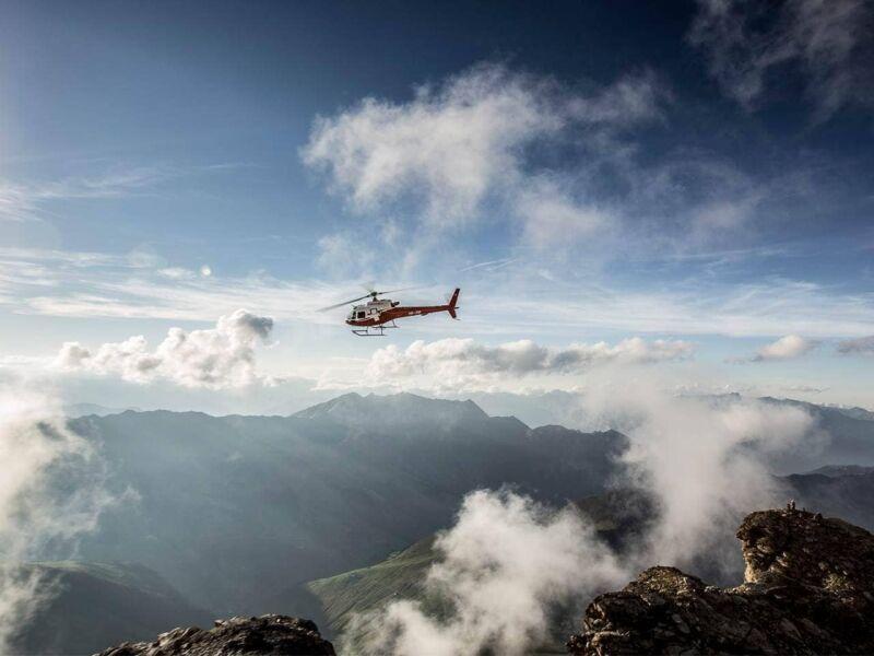 Geschenkgutschein: Helikopter-Rundflug mit Zwischenhalt – faszinierendes Prättigau
