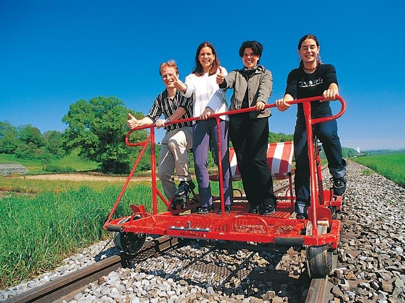 Geschenkgutschein: Schienenvelo fahren