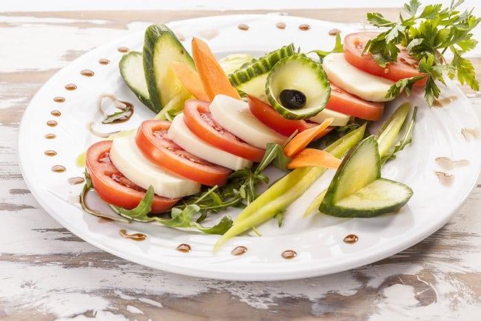 Salad with basil sauce