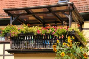 Balkonüberdachung aus Holz