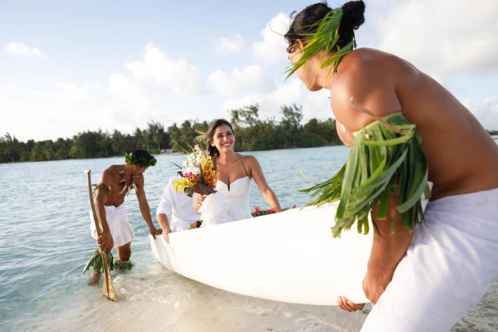 Polynesian wedding ceremony arrival