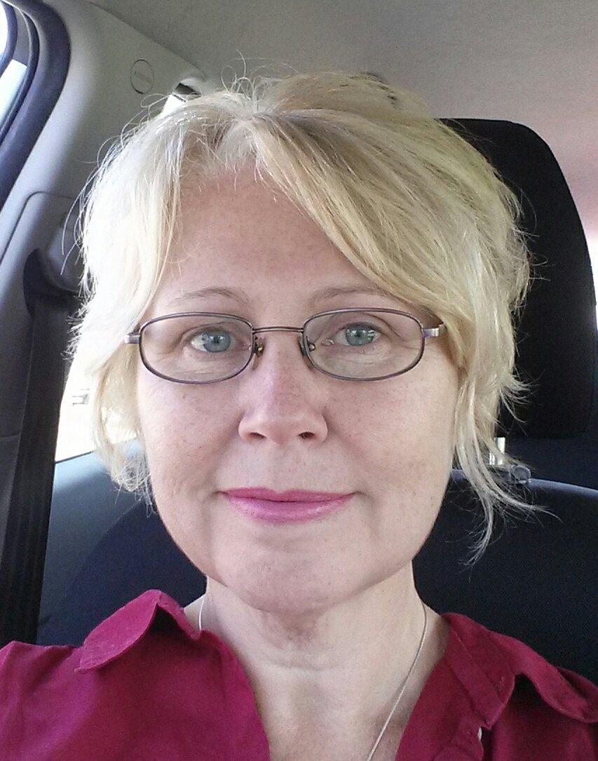 Admiral Nurse Susan Ashcroft-Simpson in the car