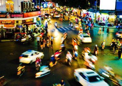 belebte Straße in Hanoi