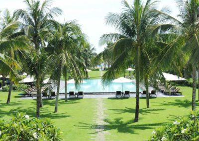Hotelgarten mit Pool des Boutique Resort Hoi An