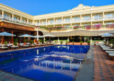 Pool und Hotelgarten des Victoria Can Tho Resort